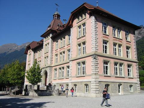 Schulhaus Sekstufe 1